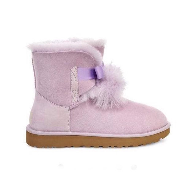 83a56baaee0 Women's UGG Gita lavender fog pom pom Boots new NWT